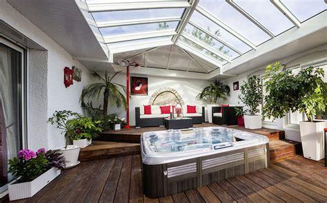 emission de cuisine véranda spa et salon blanc cassé extension sur mesure