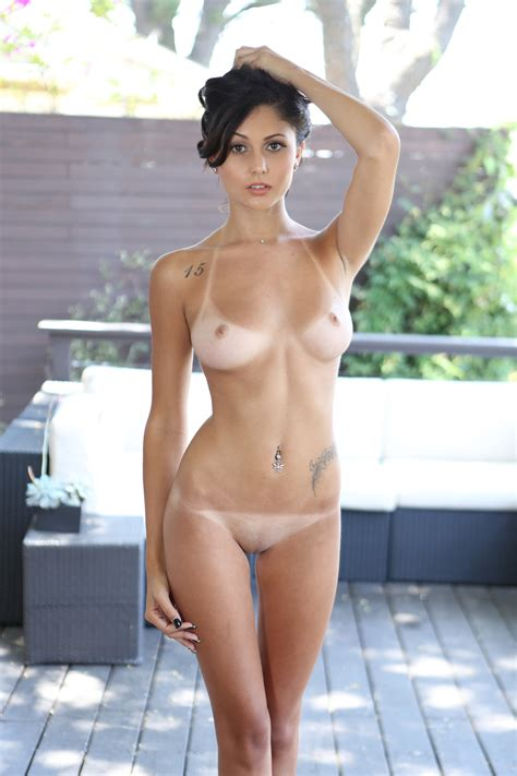 Shaved Brunette With A Perfect Body Porn Pic EPORNER