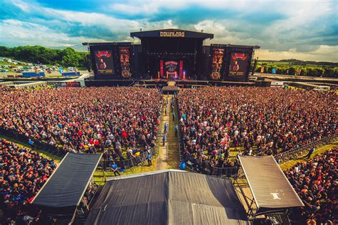 Volunteer at the 2019 Download Festival with Hotbox Events