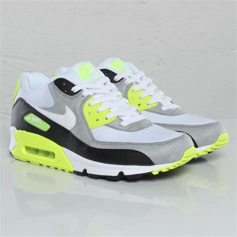 nike air max  volt   sneakerfiles