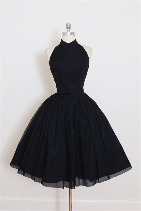 list  synonyms  antonyms   word dress