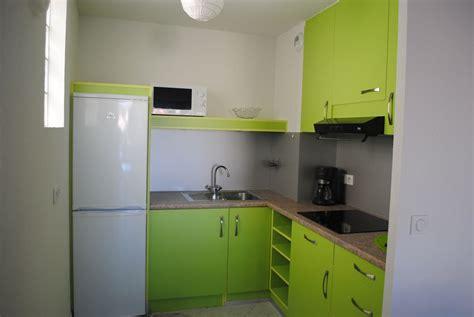 porte et aménagement de placard de cuisine sur mesure