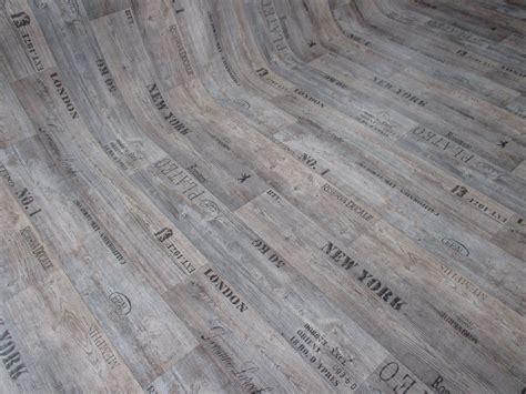Pvc (7€/m²) Cv Bodenbelag Holz Schrift Optik 2 Meter