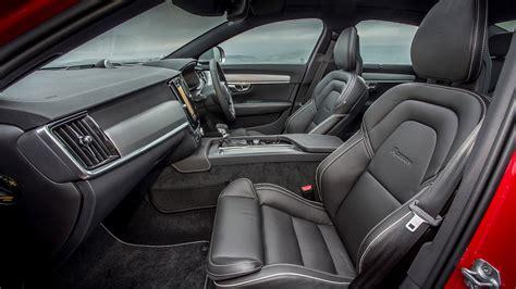 volvo    design  review car magazine