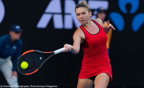 One difference between Simona Halep and Caroline Wozniack | Daily Mail Online