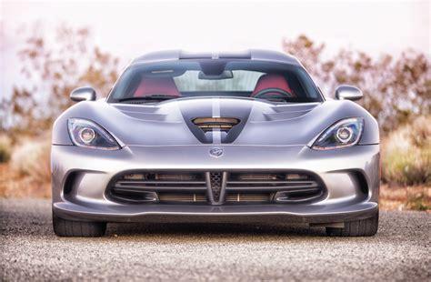 1,200 Mile 2014 Dodge Srt Viper Road Trip And Track Test
