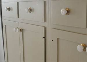 Cabinet paint farrow and ball quotold whitequot absolutely for Best brand of paint for kitchen cabinets with papiers à lettres