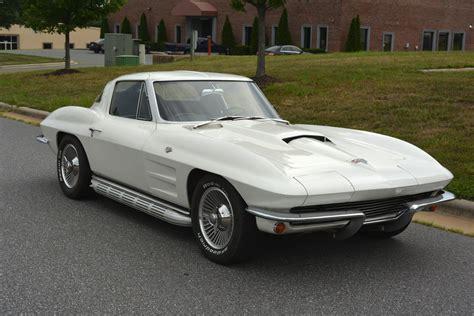 1963-corvette-coupe-for-sale-008