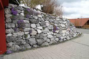 Hang Bepflanzen Bodendecker : trockenmauer selber bauen anlegen und bepflanzen ~ Lizthompson.info Haus und Dekorationen
