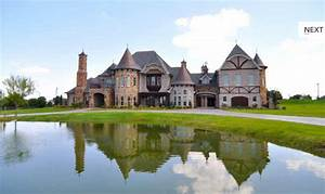 Which Tudor Style Mansion Do You Like Best? | Homes of the ...