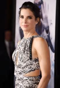 Sandra Bullock To Star In 'Le Convoyeur' Remake 'Cash ...