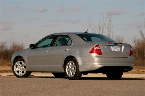 2010 Ford Fusion Se Reviews by Review 2010 Ford Fusion Se 6mt Photo Gallery Autoblog