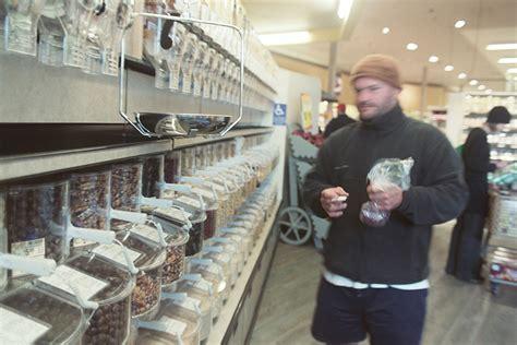 creation du premier supermarche sans emballages en