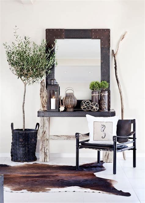 Cowhide Decorating Ideas by Best 25 Cowhide Rug Decor Ideas On Hide Rugs
