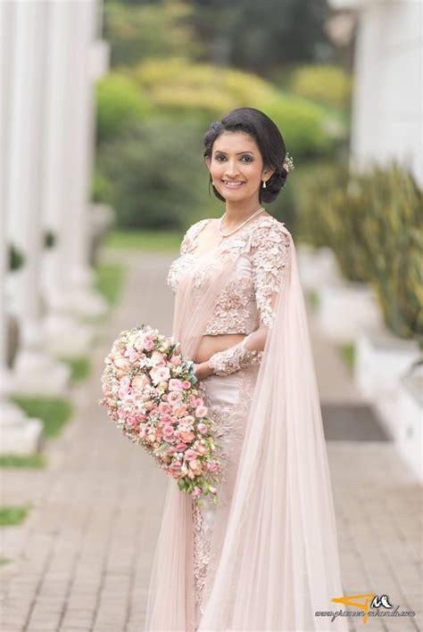Sri Lankan Bride Sri Lankan Weddings Saree Wedding