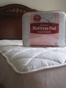 5 best bedding mattress pads soft and comfortable tool box for Best down mattress pad