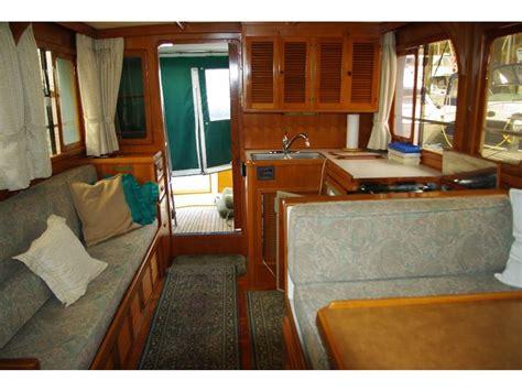 chb golden star europa sedan  europa powerboat