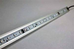 Barre Lumineuse Led : reglette a led tous les fournisseurs leche mur led ~ Edinachiropracticcenter.com Idées de Décoration