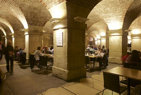 Café in the Crypt, St. Martin-in-the-Fields, London ...