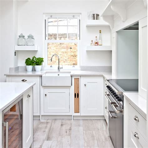 white kitchens   style  budget