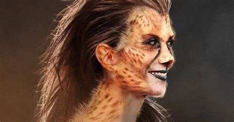 Kristen wiig's appearances in the wonder woman 1984 trailers have been limited to barbara ann minerva in her human form, prior to becoming imbued with cheetah's appearance and powers. Wonder Woman 1984 Kristen Wiig Stunt Video & Images ...