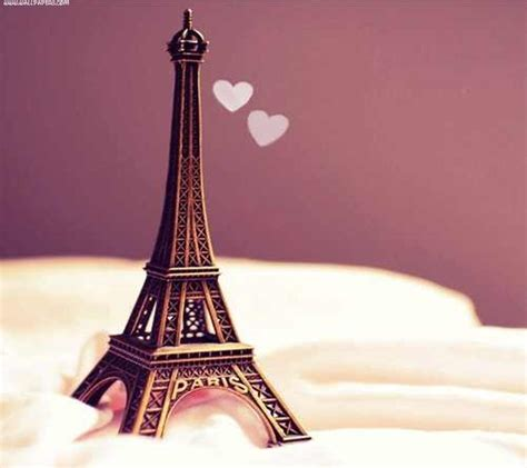 Download Cute eiffel tower Romantic couple wallpapers