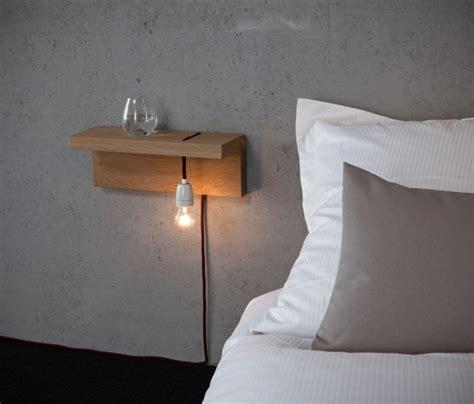 applique murale chambre adulte installer une table de nuit suspendue près de lit