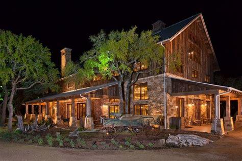 Best 25+ Rustic Barn Homes Ideas On Pinterest