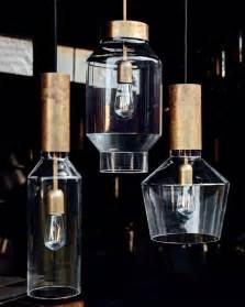 Moderne Hängeleuchten Design : design pendelleuchte aus messing mit schmalem glaskolben ~ Michelbontemps.com Haus und Dekorationen