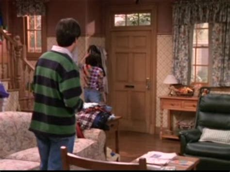 everybody raymond living room everybody raymond images 1x07 your place or mine