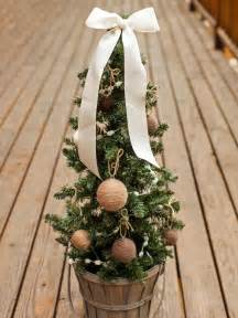 100 outdoor christmas decorations ideas to make use