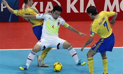 Kesalahan kesalahan dalam melempar bola rendah. Olah Raga Futsal dan Perkembangannya - Kompasiana.com