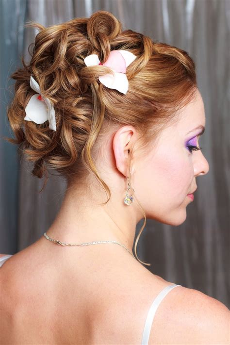 hottest wedding hairstyles  brides   fave