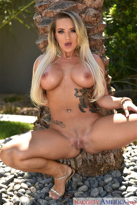 Summer Hot Cali Carter Fucking Outside Milf Fox