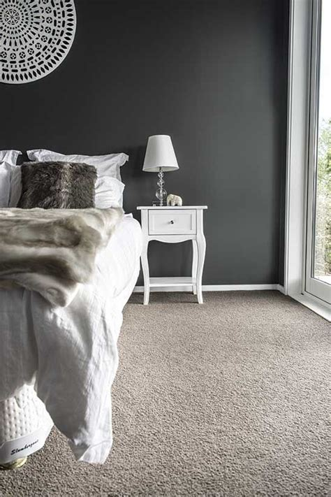 Decorating Ideas For Bedroom With Blue Carpet by Best 25 Carpet Colors Ideas On Grey Carpet