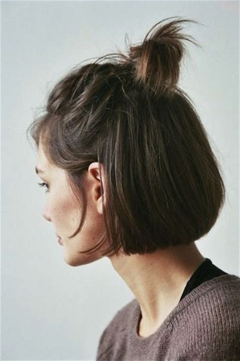 hair bun styles for medium hair 20 hairstyles for with or without curls 1