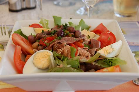 cuisine nicoise niçoise salad recipe and variations artimondo magazine