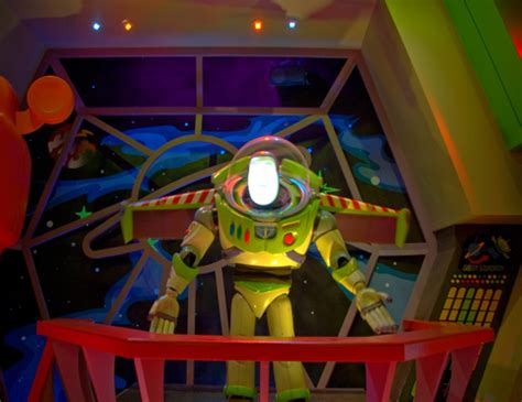 buzz lightyear s space ranger spin magic kingdom