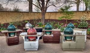 Small BBQ Outdoor Kitchen Islands