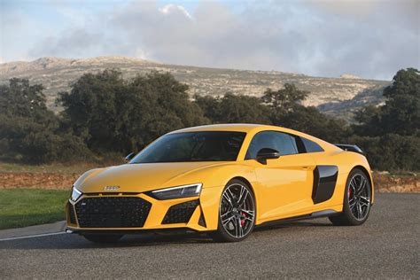 Audi R8 2020 by 2020 Audi R8 Coupe Review Trims Specs And Price Carbuzz