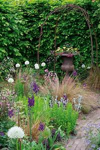 Create A Potted Micro-meadow With Ian Hodgson