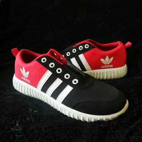 Adidas Derby Merah List Hitam jual beli sepatu kets adidas v racer classic cewek casual