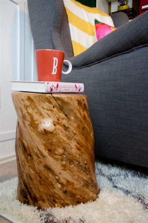 tree trunk side table contribute immense natural accent homesfeed