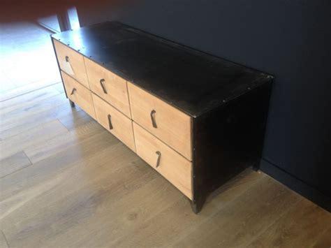 bureau en bois exotique meuble en fer et bois exotique 6 tiroirs