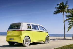 Combi Volkswagen Electrique Prix : feu vert pour le volkswagen combi lectrique et autonome ~ Medecine-chirurgie-esthetiques.com Avis de Voitures