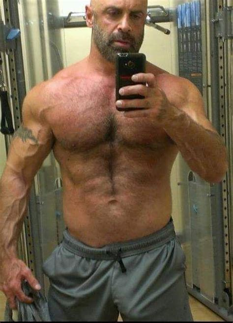 la caja maestra musclebear hairy men mature men men