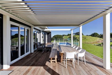 totally  grid remote island living lockwood homes