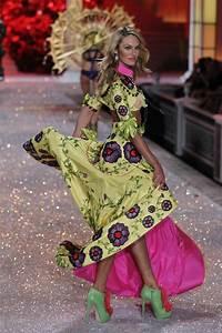 secret fashion show 2011 photo gallery