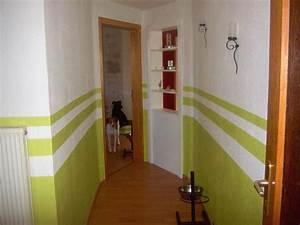 Wandgestaltung Streifen Beispiele : flur farbig streichen ~ Indierocktalk.com Haus und Dekorationen