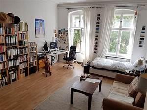 Wg Zimmer Einrichten : dieses gro e wg zimmer ist sehr lebhaft und bunt ~ Watch28wear.com Haus und Dekorationen